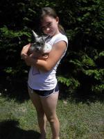Natalia z małym Mariankiem - kozą